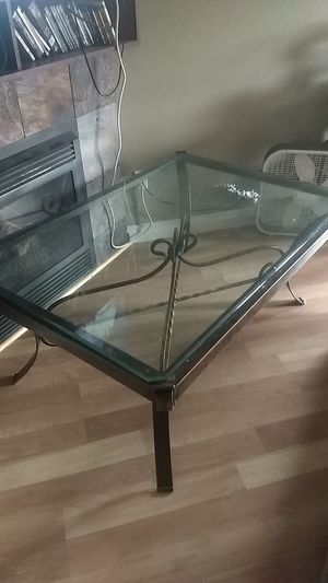 Beautiful table and end table for Sale in Redmond, WA