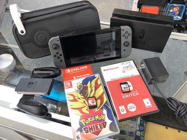 Nintendo Switch, Pokemon Case, Pokken Tournament, Pokemon Shield and 3 months online free