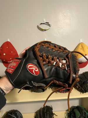 Rawlings glove for Sale in Phoenix, AZ