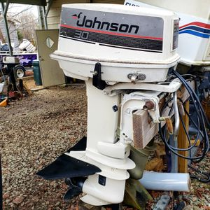 Beautiful JOHNSON 30 Boat Outboard, Electric Start! Controls Included! for Sale in Cary, NC