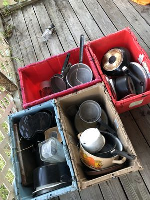 Kitchen pots & pans for Sale in Gibsonton, FL
