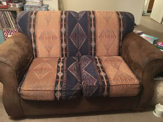 Loveseat and recliner for Sale in San Angelo,  TX