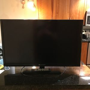 """32"""" TV for Sale in Mercer Island, WA"""