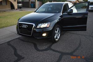 2010 Audi Q5 premium plus for Sale in Glendale, AZ