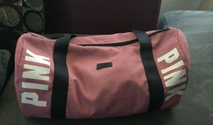 Pink duffle bag for Sale in Clinton Township, MI