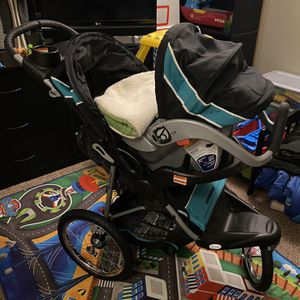 Jogger Travel System W/ Baby Insert for Sale in Nashville, TN