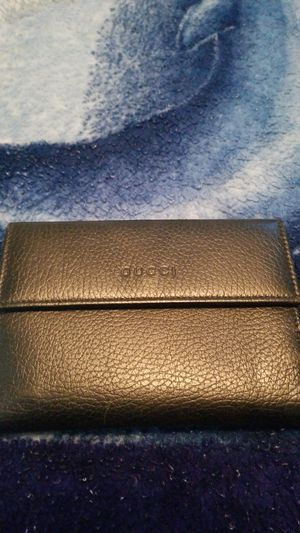 Used gucci wallet in good condition for Sale in Lakewood, CA