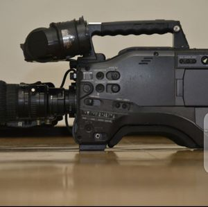 "Panasonic AG-HPX500 2/3"" Shoulder Mounted P2 Camcorder 1080p/1080i/720p, NTSC/PAL for Sale in Unger, WV"