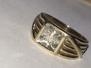 Ultimate pinky 10KT Gold Diamond Ring Size 7 for Sale in Miami, FL