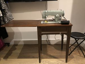 Vintage Sears Kenmore sewing machine for Sale in Brooklyn, NY