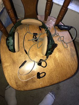 Headphones bundle for Sale in Kissimmee, FL