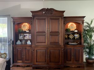 TV entertainment center / media cabinet for Sale in San Marcos, CA