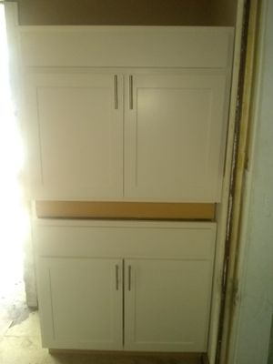 Kitchen and or Bathroom cabinets for Sale in Columbus, OH