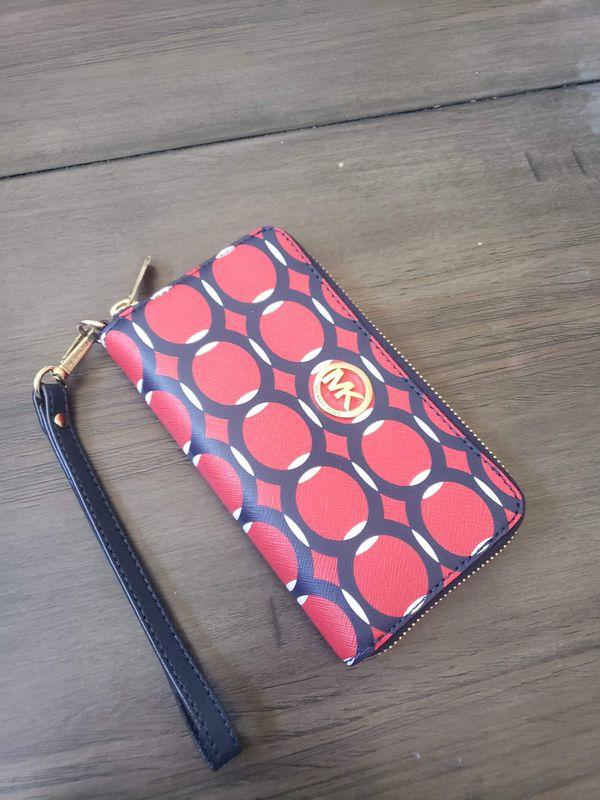Michael Kors designer wrist wallet purse