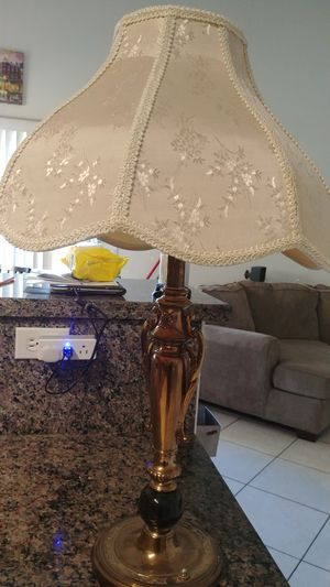 Antique Lamp for Sale in Tolleson, AZ