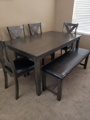 Beautiful dining table. Like New Condition for Sale in Peoria, AZ