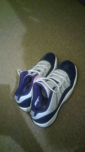 Jordan 11s size 6.5 for Sale in St. Louis, MO