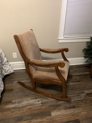 Comfortable Rocking Chair for Sale in Huntington, WV