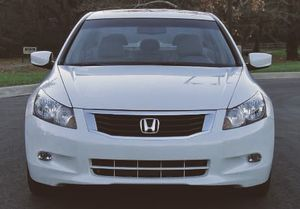 2007white Perfect Honda Accord 82kmiles for Sale in Wichita, KS
