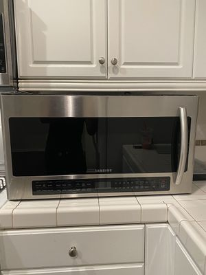 Samsung microwave for Sale in Perris, CA