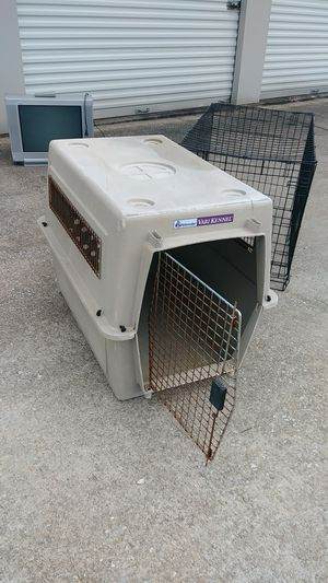 Large dog crate for Sale in Clanton, AL