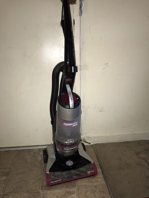 Vacuum Bissell in good condition for Sale in Hyattsville, MD