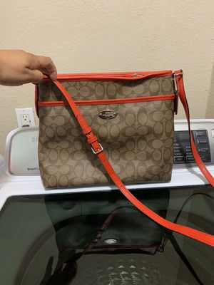 Coach leather crossbody $50 for Sale in Fort Worth, TX