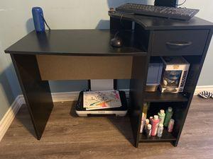 Small Desk GREAT CONDITION for Sale in Duarte, CA