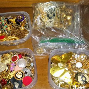 Various Costume Jewelry In Bulk for Sale in Nashville, TN
