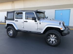 2007 JEEP WRANGLER SAHARA UNLIMITED 4X2 CLEAN TITLE RUNS GOOD 6 speed manual v6 3.8L 17rims seat of 5 good tires trade for Sale in Phoenix, AZ
