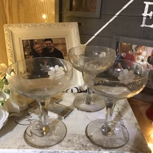 Three Vintage Floral Etched Wine Glasses for Sale in Elma, WA