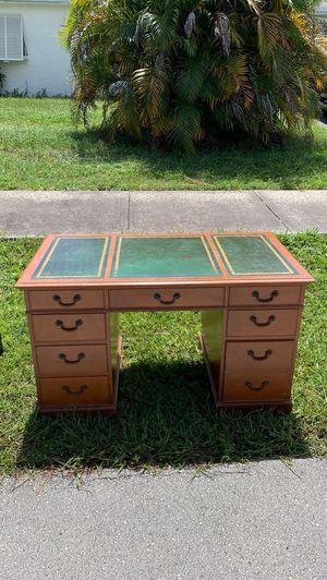 Free curb alert. Solid wood desk for Sale in Oakland Park, FL