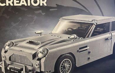 LEGO 10262 Creator Expert James Bond Aston Martin for Sale in Irvine,  CA
