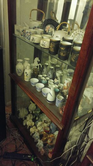 Antique Japan Jars, vase, figurine Collectibles for Sale in Las Vegas, NV
