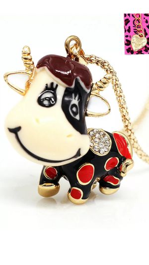 """Betsey Johnson 3 d little view animated on enamel 2"""" high on a gold chain for Sale in Brecksville, OH"""