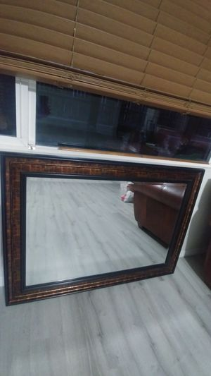 Wall decor mirror for Sale in Perris, CA