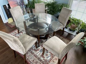 Dining table + 5 chairs for Sale in Lexington, KY