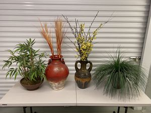 Set of 4 Artificial House Plants Decorations - Excellent Condition for Sale in North Wales, PA