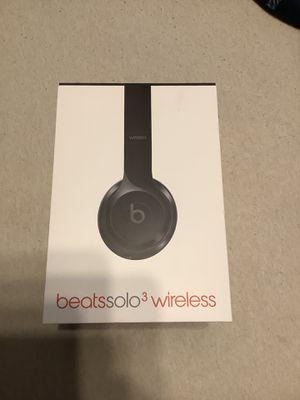 Beats gloss black solo 3 wireless for Sale in Riverview, FL