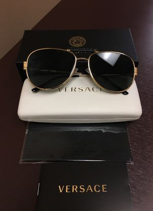 New Versace sunglasses for Sale in Houston, TX