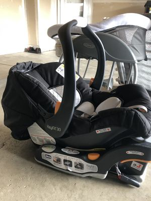 Chico car seat and base for Sale in Canton, MI