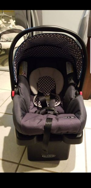 Graco snugride 30 car seat with base for Sale in Charlotte, NC