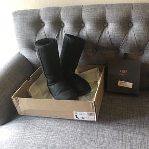 Uggs Classic Tall II black size 5 with sheepskin care kit for Sale in Irvine, CA