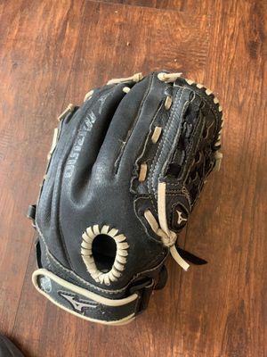 Mizuno glove for Sale in Corona, CA