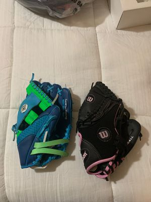 Softball gloves (kids) for Sale in Los Angeles, CA