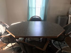 Table with 4 chairs for Sale in Fort McDowell, AZ