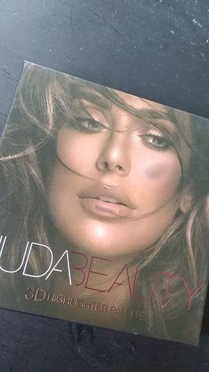 Huda beauty for Sale in Downey, CA