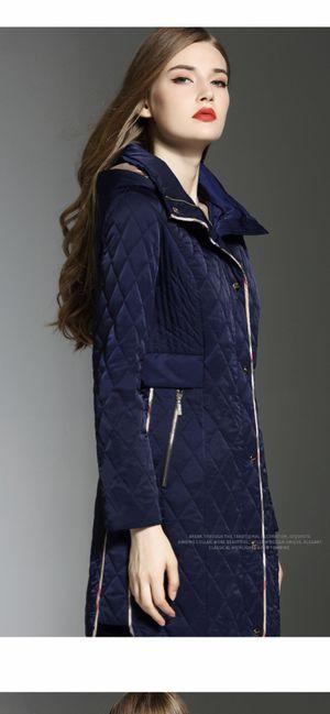 Burberry woman coat, size 8-10 for Sale in Philadelphia, PA