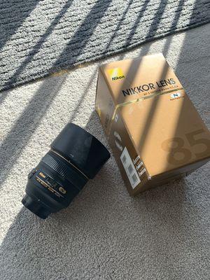Nikon AF-S FX NIKKOR f/1.4 G for Sale in Seattle, WA