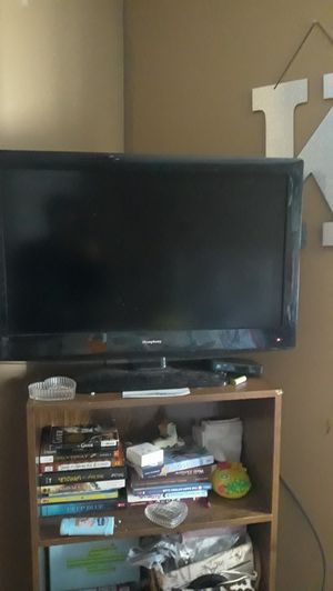 40 inch. TV w/ built in DVD player for Sale in Woodbury, NJ